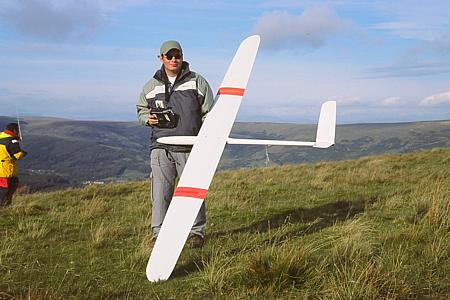 F3F: Nigel Potter is improving all the time - here with an Ellipse 2V.
