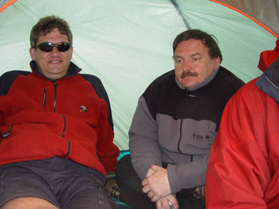 BMFA League 5 - S. Wales John McCurdy and Dave Woods sheltering.