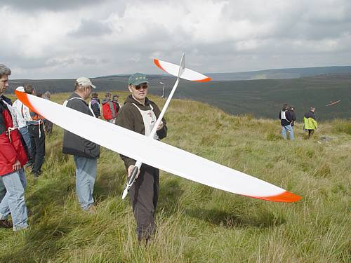 Mark Passingham holds Ken Woodhouse's NYX. Flew well.