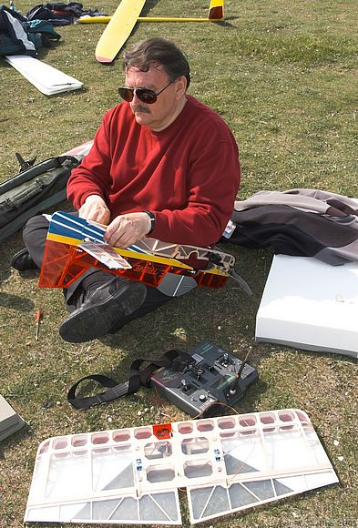 Dave Woods with his electric 3D YAK 55 from Extreme Flight RC. Very effective, 10 minutes duration.