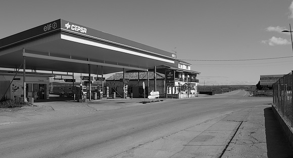 The petrol station, on the road to Cogolludo. The right turn leads to Humanes railway station.