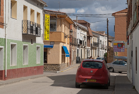 HUMANES AND SURROUNDINGS: Humanes is the last stop for food on the way to La Muela